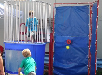 dunk tank action 10